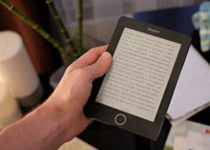 Выбираем электронную книгу для пожилого человека: Полезные советы и рекомендации