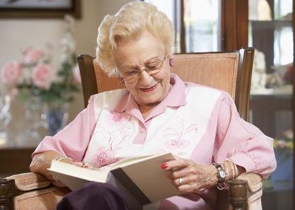 Какие книги подобрать пожилому человеку? Полезные советы для настоящих библиофилов