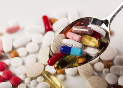 Экспертное мнение: какие лекарства для понижения давления нельзя принимать пожилым людям