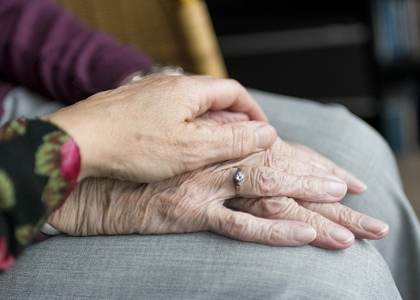 Аэробные тренировки, музыка и ароматерапия замедляют потерю памяти у пожилых людей с деменцией